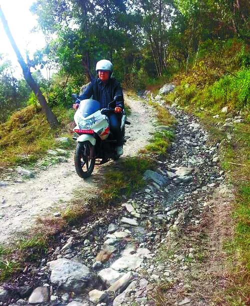 복음 실은 오토바이 고산준령을 깨우다 기사의 사진