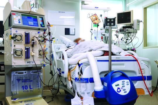 [And 건강] 연명의료 거부한 환자에게 인공호흡기 3주 씌운 병원 기사의 사진