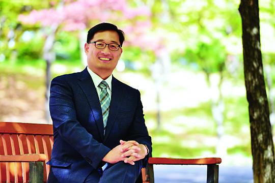 """[저자와의 만남-'리더십 리셋' 쓴 계재광 교수] """"한국교회 개혁, 교회 구성원의 변화가 중요"""" 기사의 사진"""