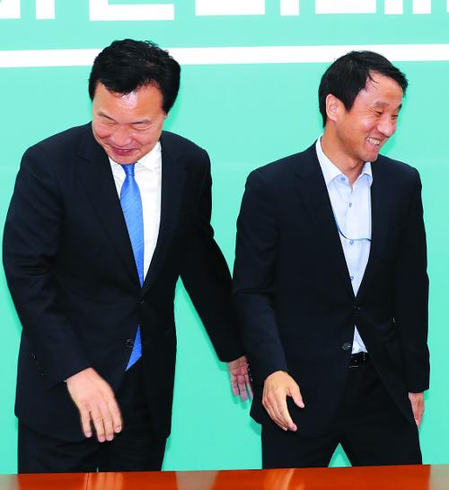 야당 자극하는 '청의 무리수', 대통령 비서실장 정무수석 총출동해 '뒤늦은 설득' 기사의 사진