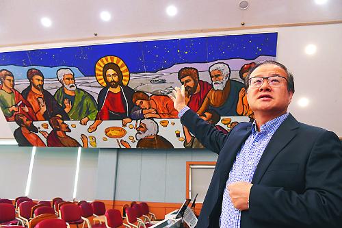 [하나님의 선물 아이 좋아] 교회 전체 보육시설로 특화… 주 7일 아이들로 북적 기사의 사진