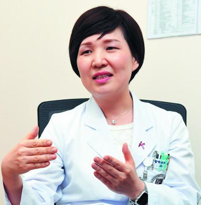 [암환자 의사를 만나다] 삶의 질 향상이 치료목표가 되다… 평생치료 요하는 전이성 유방암 기사의 사진