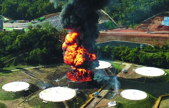 [포토] 고양 유류탱크 폭발 화재 기사의 사진