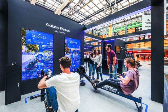 [포토] '부에노스아이레스 청소년올림픽' 참가자들 삼성 피트니스 제품 체험 기사의 사진