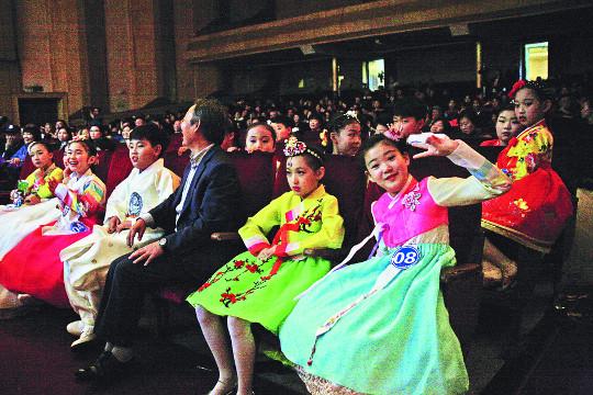 미래 주인공들에게 한국 문화·정신 널리 전파 기사의 사진