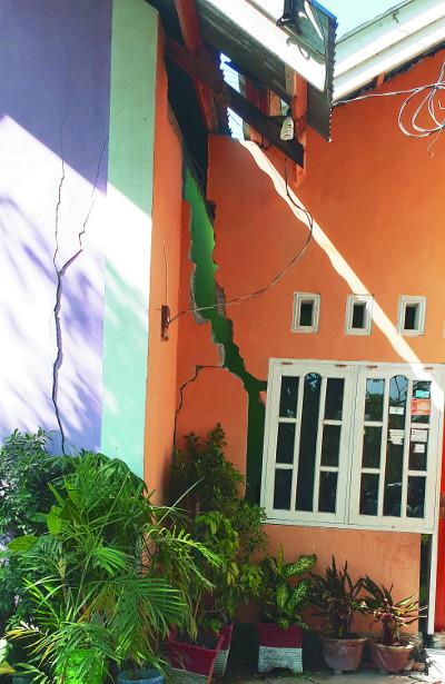 강진·쓰나미에 교회가 무너졌지만… 예배는 멈추지 않는다 기사의 사진