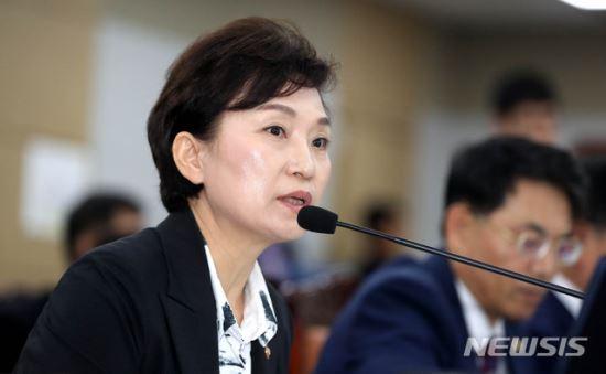 """김현미 """"수도권 택지 발표시 교통대책도 포함할 것"""" 기사의 사진"""