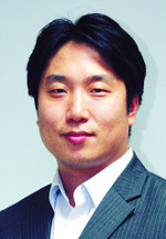 [세상만사-강준구] 청와대와 한국당의 공존 기사의 사진
