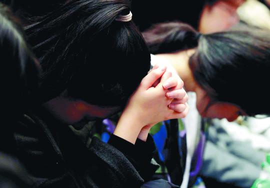 부담감 덜고 공부 마무리하게 기도와 말씀으로 위로·격려를 기사의 사진