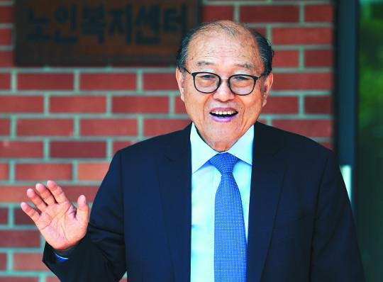 [역경의 열매] 손인웅 <1> 유교 전통 엄격했던 고향서 싹튼 신앙 기사의 사진