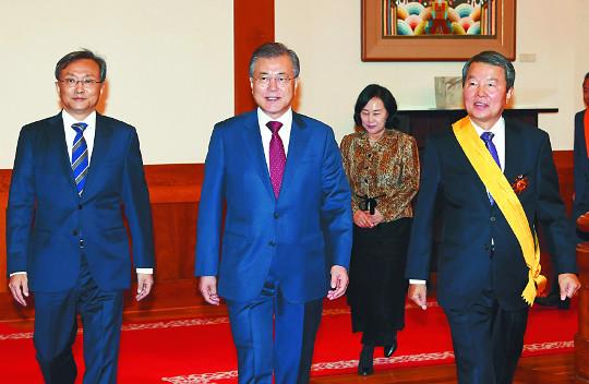 문 대통령, 내주 푸틴·시진핑과 북핵 회동, 아베는 만나지 않을 듯 기사의 사진