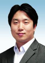 [세상만사-강준구] 투사와 조율가 기사의 사진