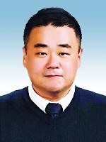 [창-김철오] 남겨진 사람 앞에서 기사의 사진