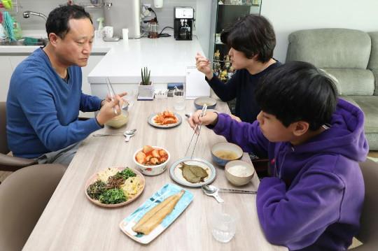 [And 건강] 아침밥이 보약… 전날 저녁 조금 덜 드세요 기사의 사진