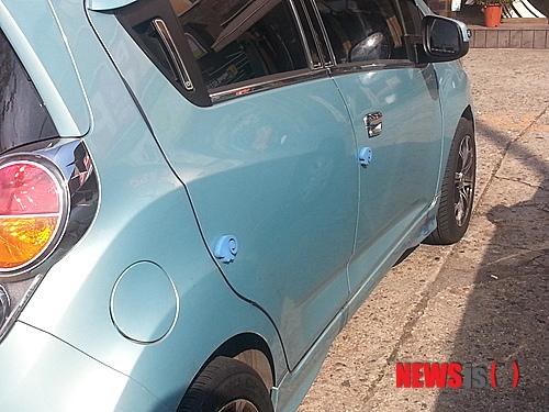 자동차 '문콕' 사고, 복원 수리비만 준다 기사의 사진