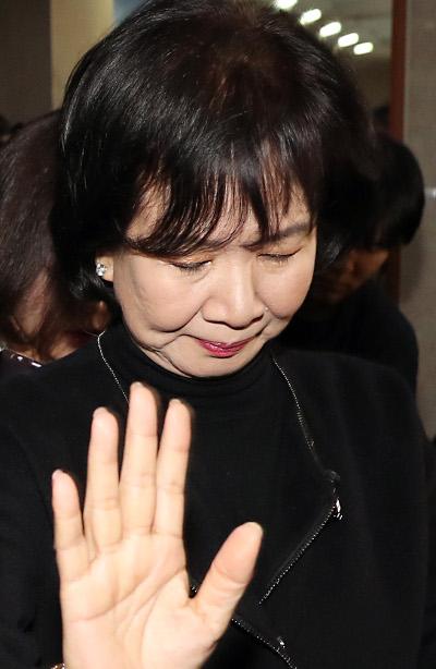 목포 투기 의혹 들끓는데… '손혜원' 놓고 있는 집권 여당 기사의 사진