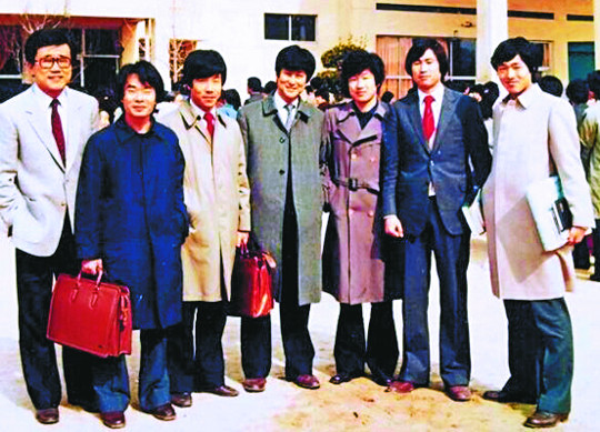 [역경의 열매] 송길원 (4) 대학 시절 부마항쟁 시위나섰다 유치장 구금 기사의 사진