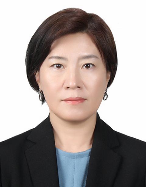 여가부 신임 차관에 '베스트셀러 저자' 김희경 기사의 사진