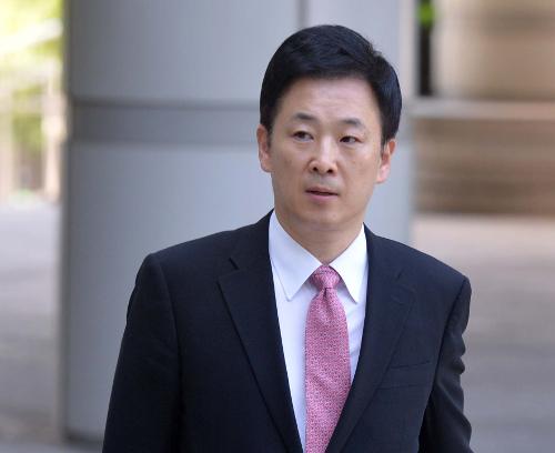 """유영하 변호사  """"황교안, 박근혜의 책상·의자 반입 요청 묵살"""" 기사의 사진"""