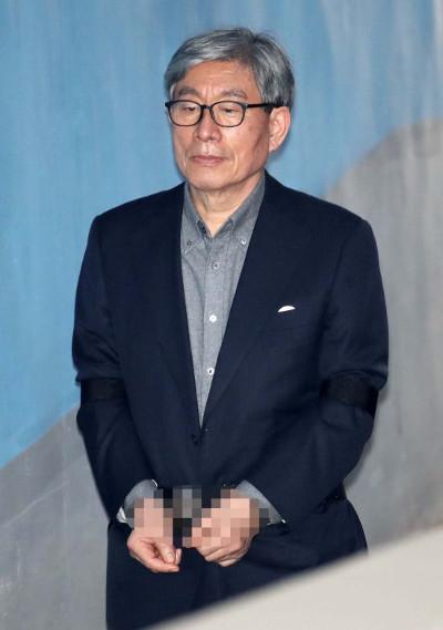 [단독] 원세훈 무죄 주려고 '문답 각본'까지 만든 재판장 기사의 사진