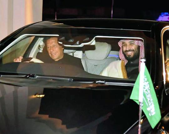 파키스탄에 200억달러 통큰 투자, 빈 살만 왕세자 '오일 머니 외교' 기사의 사진