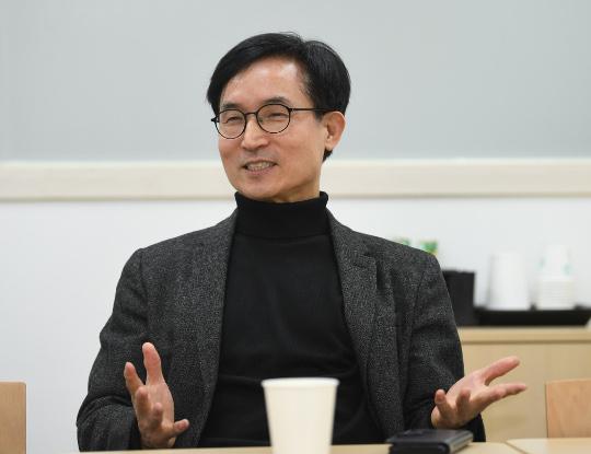 [한반도 평화와 통일을 여는 사람들 (24)] 윤덕룡 한반도평화연구원장 기사의 사진