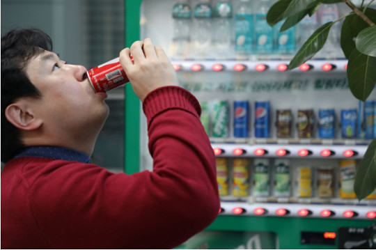 [And 건강] 비만 부르는 糖덩어리 탄산음료 대신 생수·보리차 마셔라 기사의 사진
