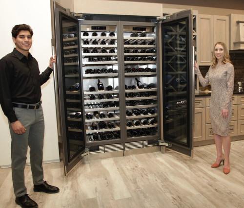요리·청소 로봇, 채소재배 냉장고… 삼성이 선보인 '미래 주방' 기사의 사진