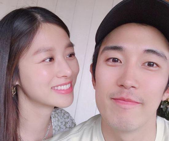 """장신영♥강경준 둘째 공개…""""아빠 뮤지컬 응원해요"""""""
